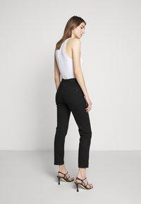 BLANCHE - RAE TRUE - Jeans slim fit - black - 2