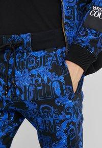 Versace Jeans Couture - BAROQUE - Pantalon de survêtement - dark blue - 5