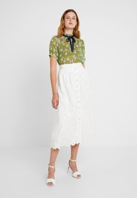 Sister Jane - BUDDING PLEATED BLOUSE SHORT SLEEVE EXCLUSIVE - Camicetta - green - 1