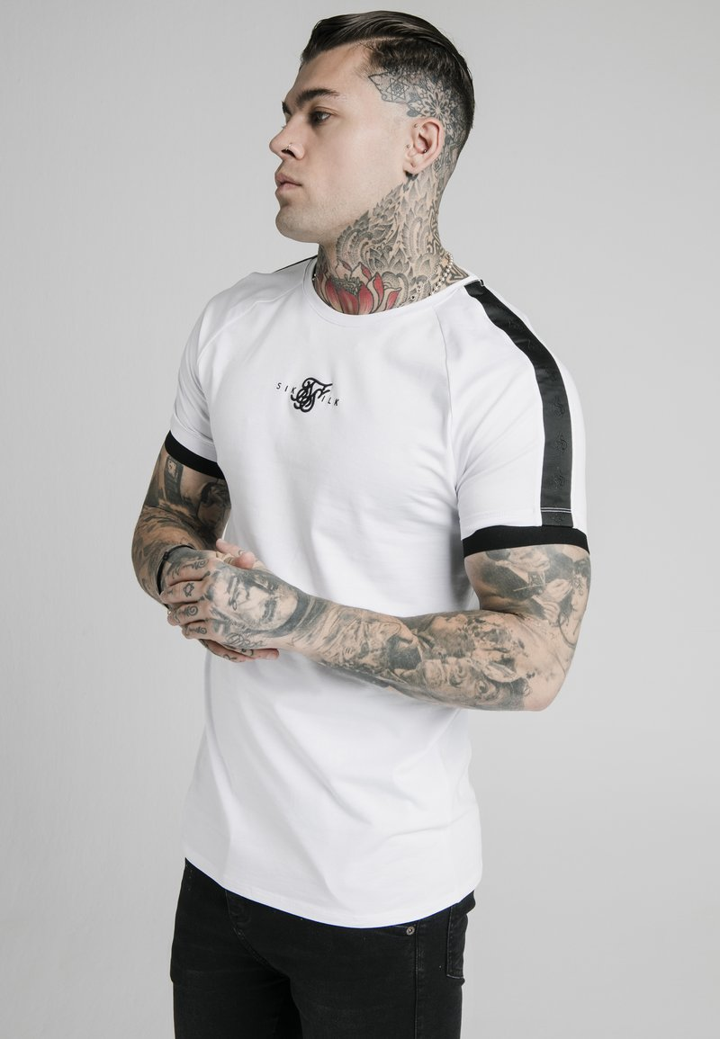 SIKSILK - RAGLAN TAPE GYM  - T-shirt con stampa - white