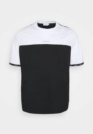 LOGO STRIPE CUFF - T-shirt con stampa - bright white/black