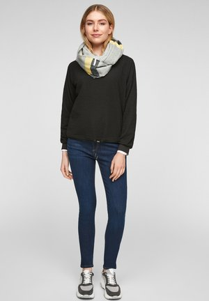 Snood - grey stripes