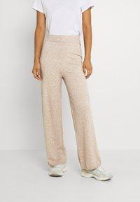 ONLY - ONLLELY PANTS - Pantalones - beige/melange - 0