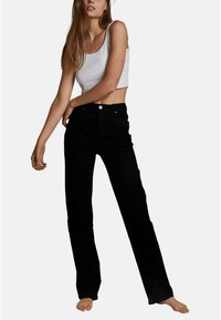 Cotton On - HIGH STRETCH - Straight leg jeans - black - 1