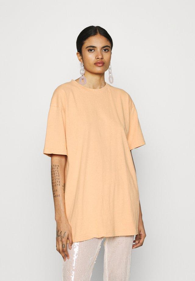 WASHED OVERSIZE - Basic T-shirt - orange