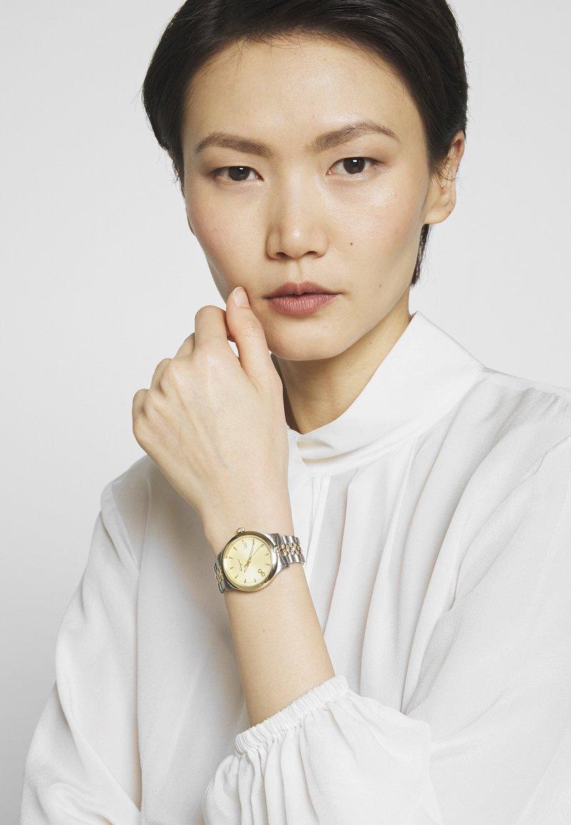 Salvatore Ferragamo - DUO WOMEN BRACELET - Watch - gold-coloured
