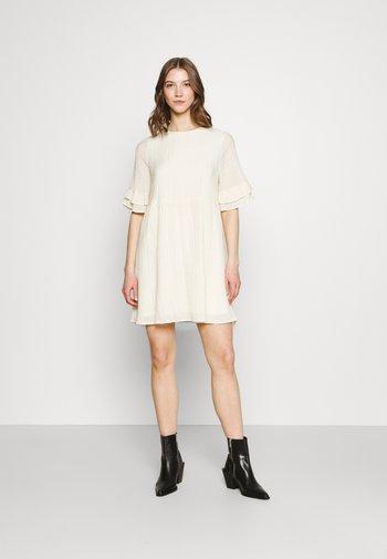 VMHAJIJA 2/4 SHORT DRESS - Day dress - birch