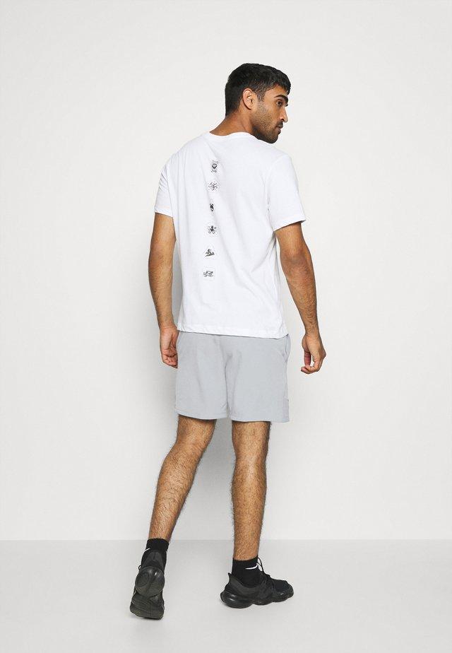 FLEX - Sports shorts - particle grey/black