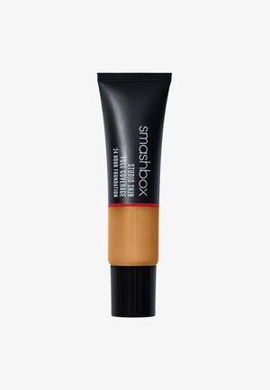 STUDIO SKIN FULL COVERAGE FOUNDATION - Foundation - 3,18