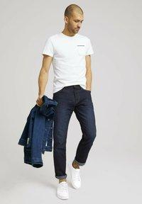 TOM TAILOR - Basic T-shirt - off white - 1
