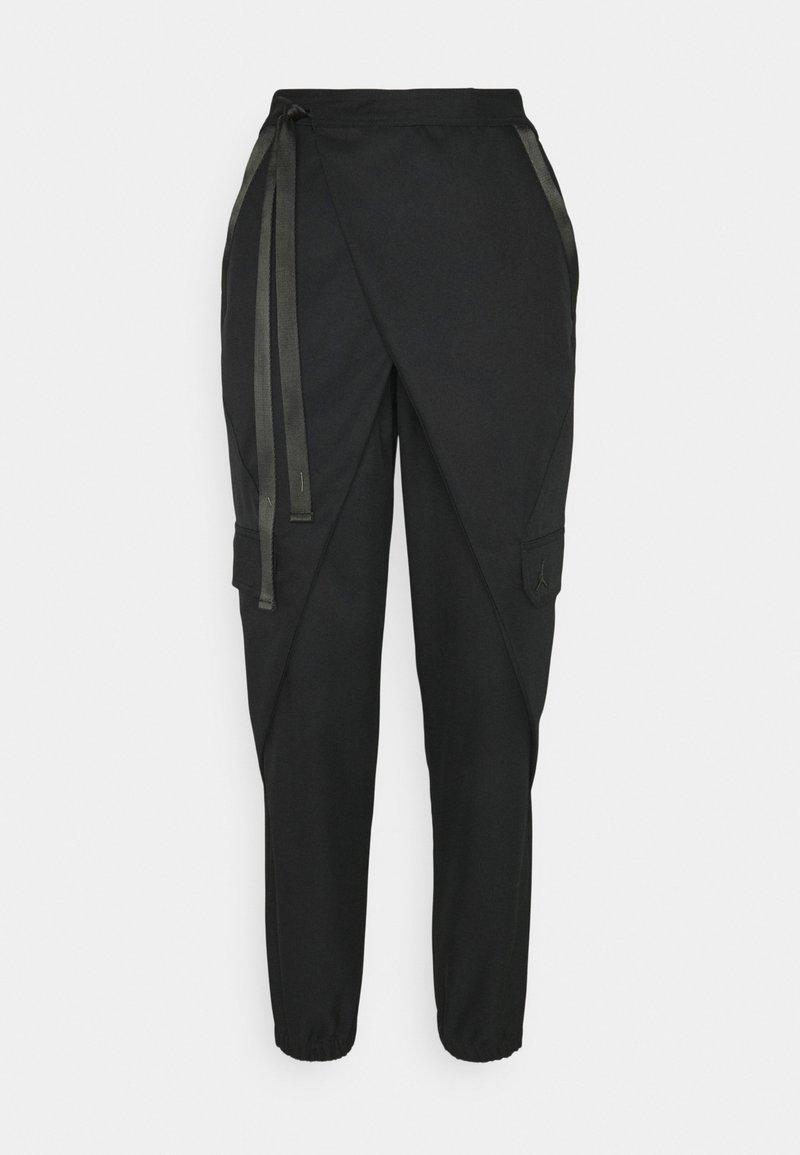 Jordan - UTILITY PANT FUTURE - Pantalones cargo - black/black oxidized