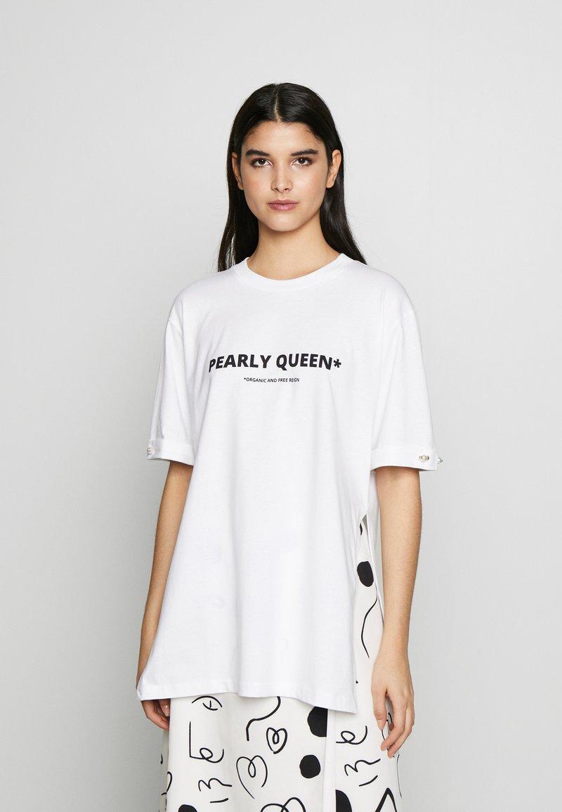 Mother of Pearl - MINTIE - T-shirt z nadrukiem - white