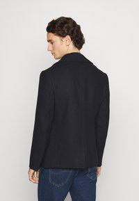Isaac Dewhirst - PEA COAT - Lehká bunda - dark blue - 2