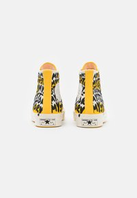 Converse - CHUCK 70 MY STORY - Sneakers high - egret/amarillo/black - 4