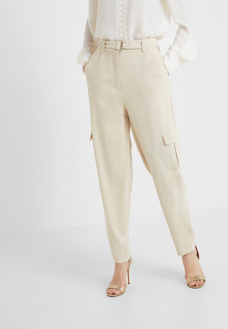 Bruuns Bazaar - ISOLDE DAGMAR PANT - Stoffhose - almond beige