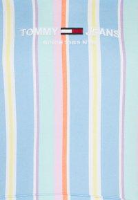 Tommy Jeans Plus - PLUS STRIPE HOODIE - Sweatshirt - light powdery blue - 2