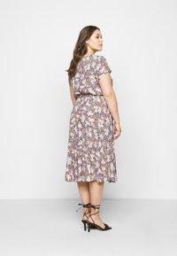 Dorothy Perkins Curve - BILLIE DITSY PRINTED VNECK MIDI DRESS  - Day dress - black - 2
