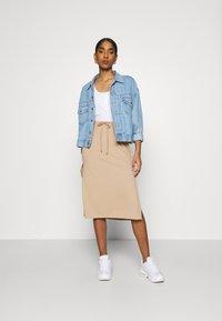 Fashion Union - BRYONY  - Pouzdrová sukně - beige - 1