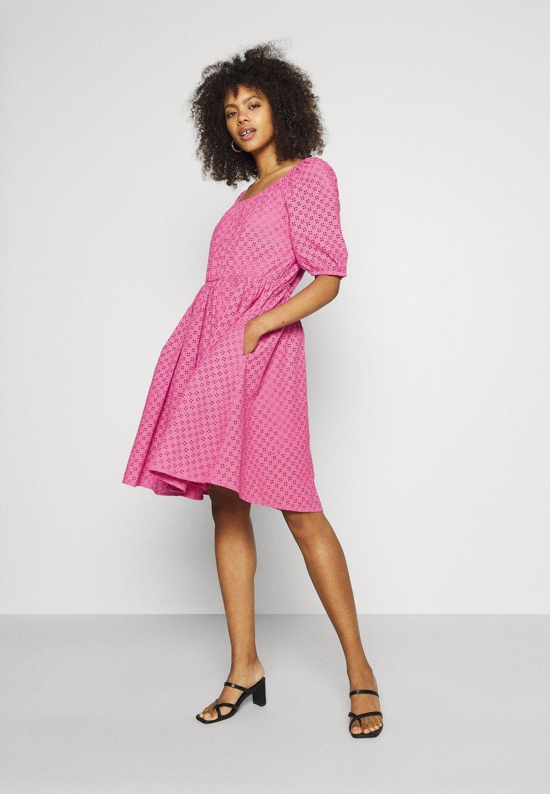 YAS - YASVOLANT DRESS SHOW - Denní šaty - azalea pink