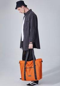 CONSIGNED - IONIA  - Shopping bag - orange - 0