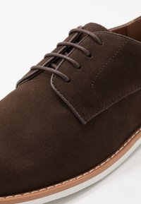 Pier One - Casual lace-ups - dark brown - 5