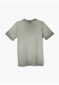 s.Oliver - MIT FLAMMGARN-STRUKTUR - Print T-shirt - khaki - 1
