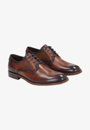 KAITO - Stringate eleganti - brown