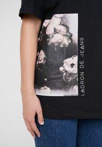 Bruuns Bazaar - LYNN ALBERTE  - Print T-shirt - black - 8