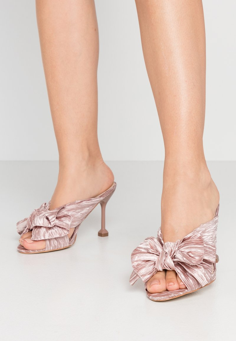 Nly by Nelly - FLIRTY BOW MULE - Mules à talons - pink