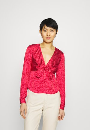 NEW GWEN - Long sleeved top - art red