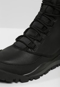 The North Face - EDGEWOOD 7   - Hiking shoes - black/dark - 5