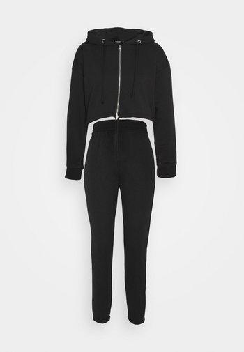 CROP ZIP HOODY JOGGER SET - Zip-up sweatshirt - black