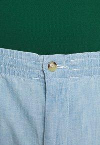 Polo Ralph Lauren Big & Tall - CLASSIC FIT PREPSTER - Shorts - light blue - 5