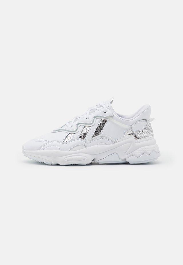 OZWEEGO  - Sneakers basse - footwear white/silver metallic