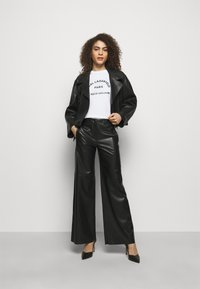 KARL LAGERFELD - ADDRESS LOGO TEE - Print T-shirt - white - 1