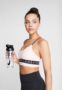 Nike Performance - HYPERCHARGE SHAKER BOTTLE - Drink bottle - clear/black - 1