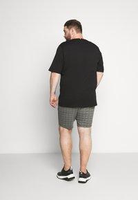 Tommy Hilfiger - FLAG TEE - Print T-shirt - black - 2
