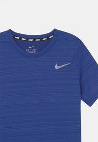 Nike Performance - MILER - Jednoduché triko - game royal - 2
