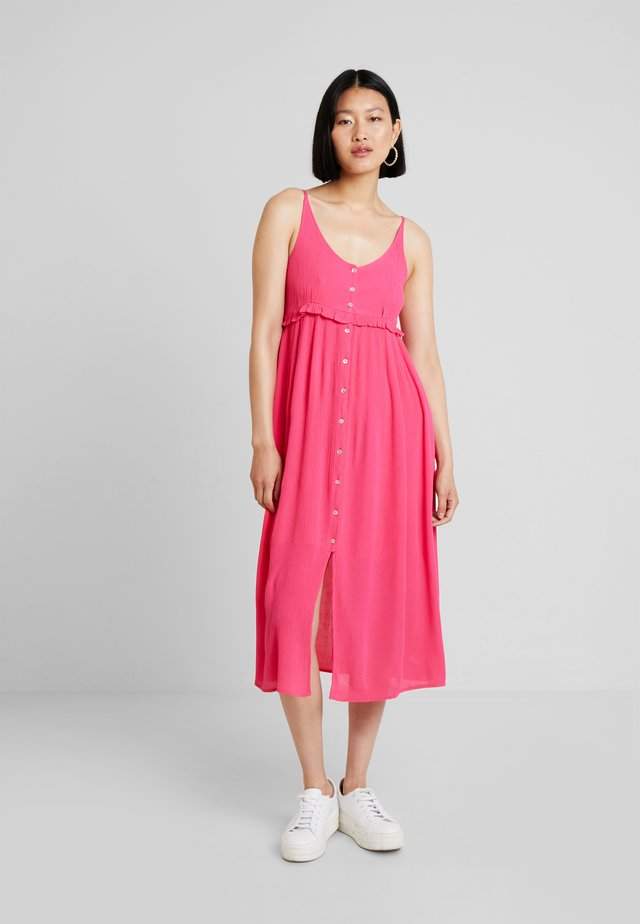 MIDI STRAP DRESS - Freizeitkleid - intense pink