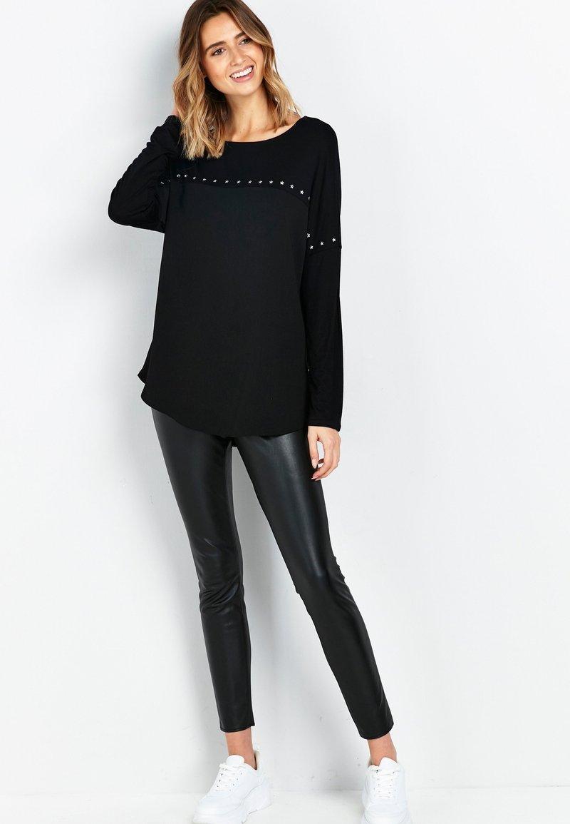 Wallis - Long sleeved top - black
