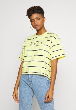 RONNY BOX TEE - Print T-shirt - lemon multi