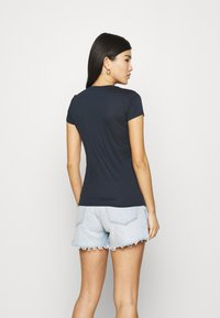 Armani Exchange - Print T-shirt - navy - 2