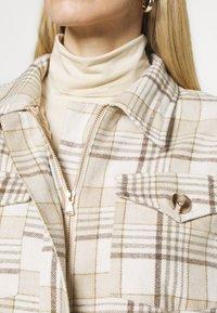 Freequent - FQRALIE - Summer jacket - beige sand - 4