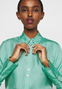 Victoria Victoria Beckham - BUTTON DETAIL - Blouse - spearmint green - 5