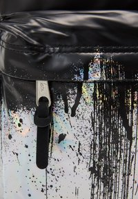 Hype - BACKPACK HOLOGRAPHIC DRIPS - Rucksack - multi-coloured - 3