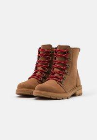 Sorel - LENNOX LACE - Lace-up ankle boots - cognac - 2