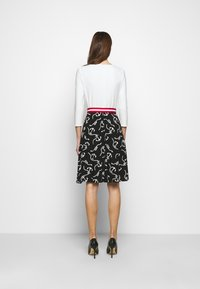 Lauren Ralph Lauren - PRINTED MATTE DRESS BELT - Day dress - black/col cream - 2