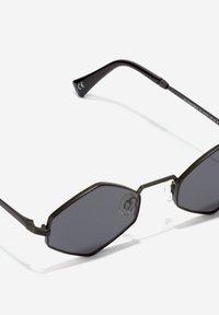 Hawkers - VUDOO - Sunglasses - black - 2
