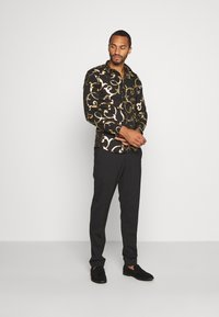 Twisted Tailor - AXL SHIRT - Camicia - black - 1