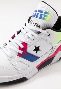Converse - ERX - Zapatillas altas - white/cerise pink/black - 5